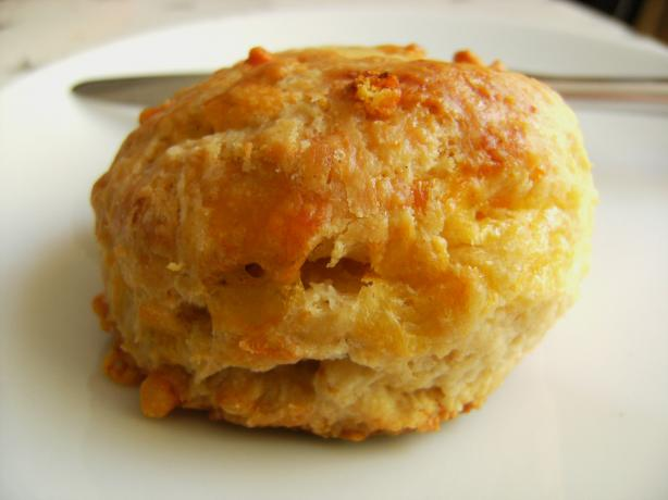 THE BEST CHEESE SCONES